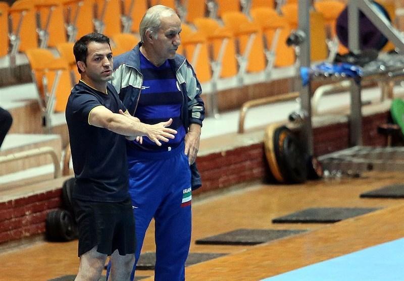 علی اشکانی در تیم ملی کشتی فرنگی ماندنی شد