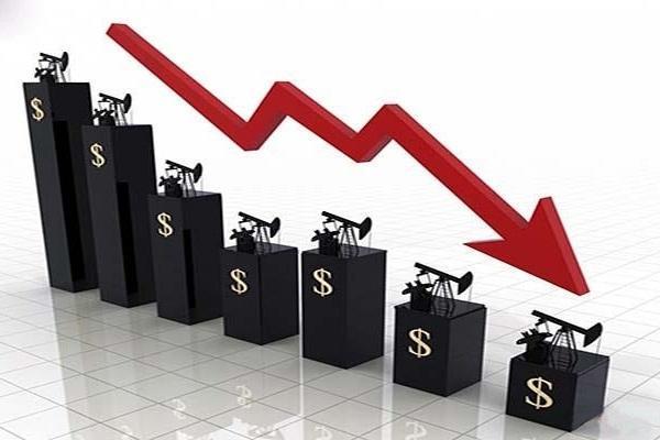 سقوط 20 درصدی بهای نفت آمریکا در بازار آسیا